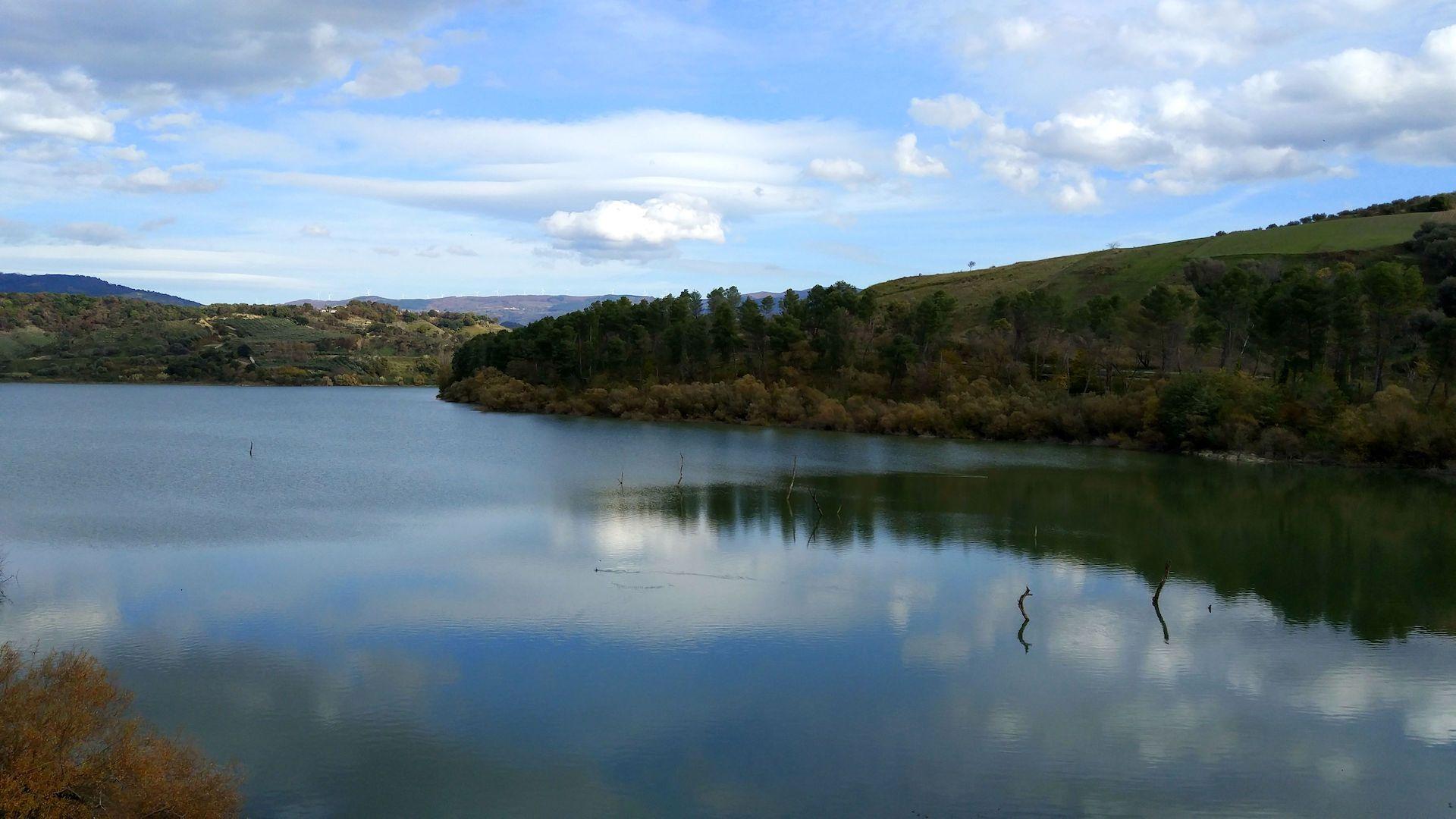 Jezioro Angitola - Vibo Valentia, Włochy