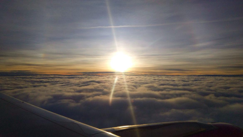Tanie loty nad chmurami