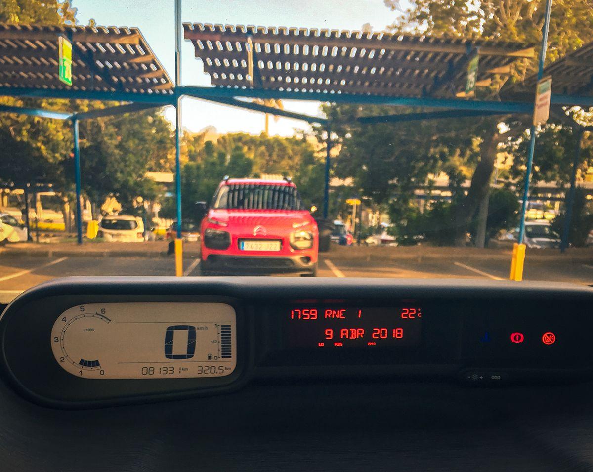 Teneryfa - parking wypożyczalni samochodów